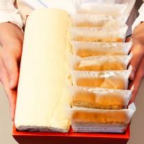 【小山甜點市集】任選口味瑞士捲一條加8片熟成蛋糕彌月禮盒